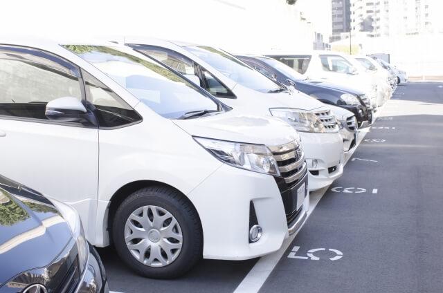 「車は35万円の過走行車」