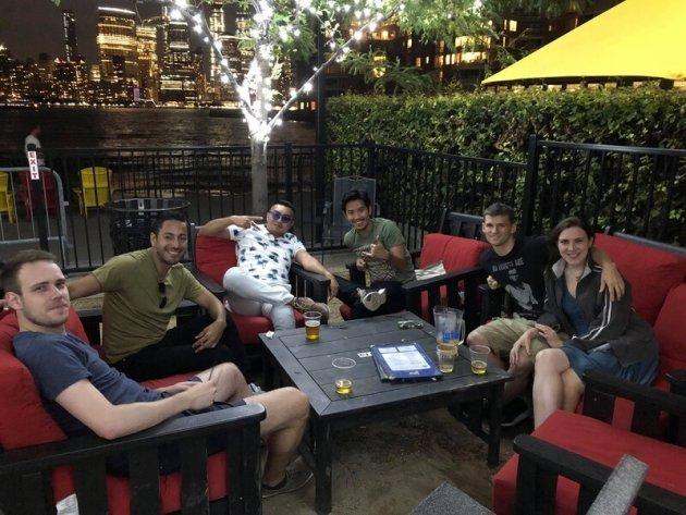 ▲ニューヨークにて、語学研修の仲間たちとの休日
