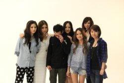 ▲2011年4月、上海で就職したアパレル商社のカタログ撮影現場(一番右がvivi)