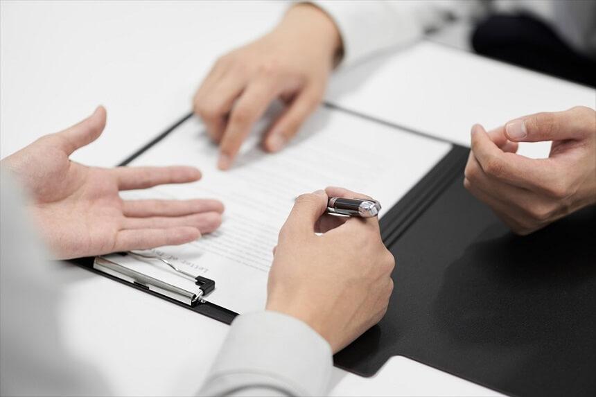 法律家が代理人となって債権者と交渉する