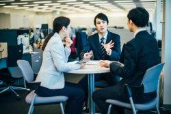 職場での「助け合い」が離職意向の軽減のカギになる?