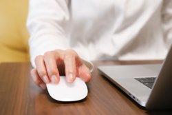 40代男性の6割「オンライン会議についていけない」