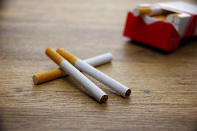一日1箱のタバコと……