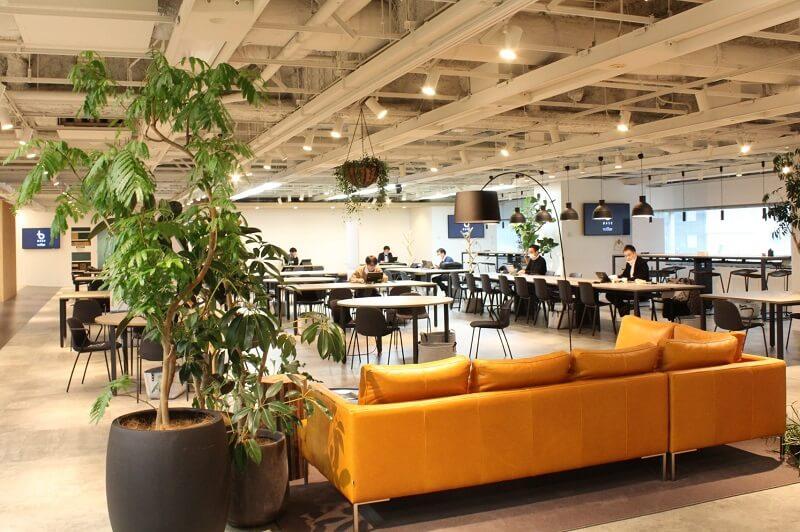 NEC本社ビル3階に設けられたコワーキングスペース「BASE(ベース)」